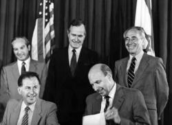 George H.W. Bush, Thomas Pickering, and Shimon Peres