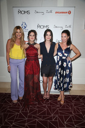 Denise Albert, Laura Marano, Vanessa Marano, Melissa Musen Gerstein