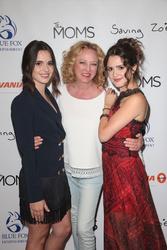 Vanessa Marano, Virginia Madsen, Laura Marano