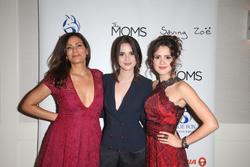 Constance Marie, Vanessa Marano, Laura Marano